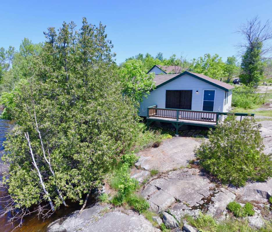 Cabins stay at resort northern ontario fishing for Ontario fishing resorts